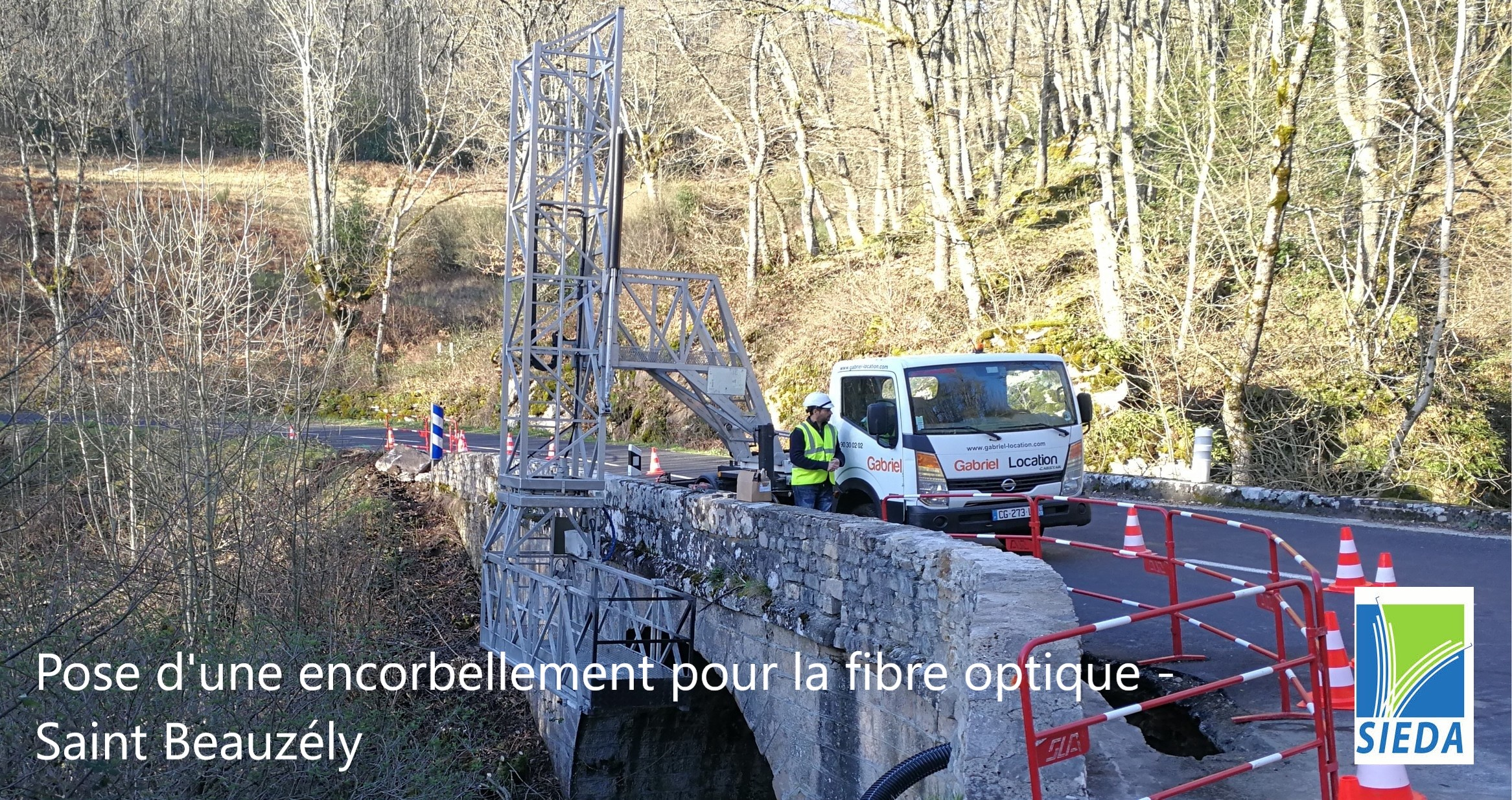 encorbellement fibre optique saint beauzely